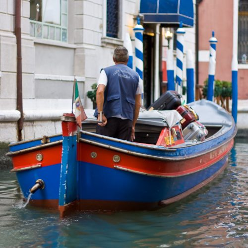 Luggage Transportation Service Venice Italy