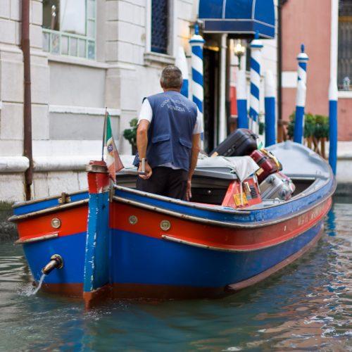 Luggage Transportation Service Venice Italy