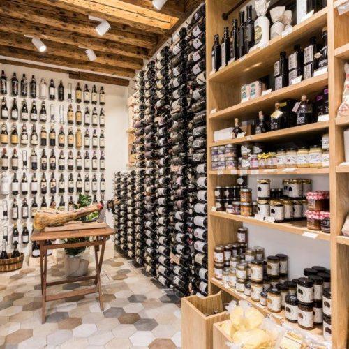 Food Delivery Venice Italy | VOV Concierge